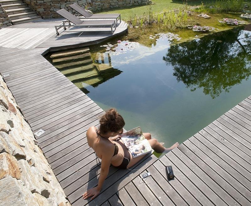 Wasserfläche, Teich, Holzdeck